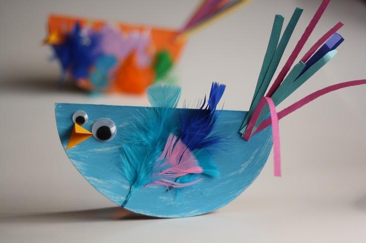 LOVE these paper plate or cardboard birds - by happy hooligans via @Bonbon Break