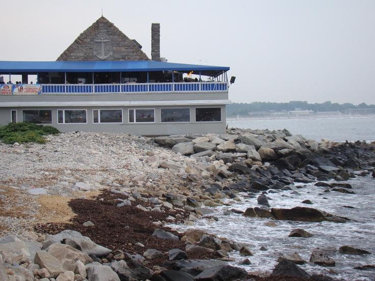 Restaurant In Narragansett On The Beach