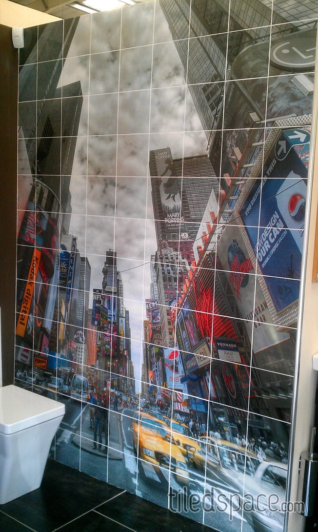 Fab #tiled mural of New York! Fancy this in your #bathroom?!