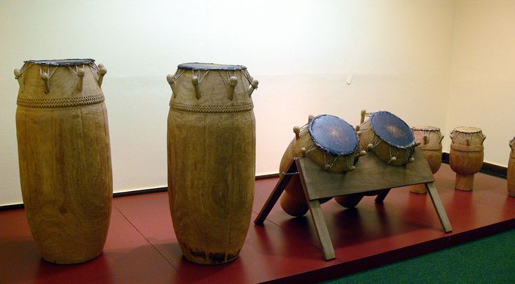 Fontomfrom-Orchester EthnM Berlin - Ashanti people - Wikipedia