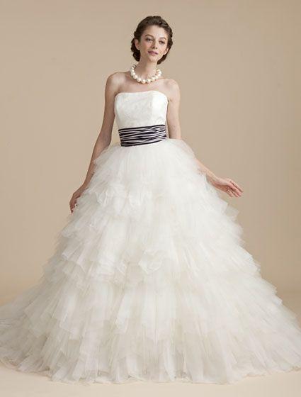 ウエディングドレス、高品質な結婚式ドレスならW by Watabe Wedding / BEAMS・ウエディングドレス・マリン・ストライプ・パーティ・2WAY