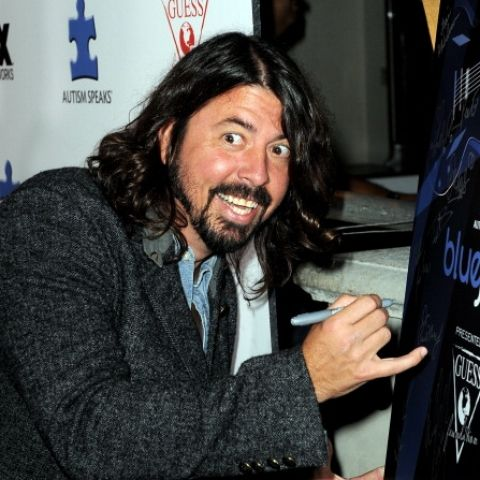 Foo Fighters Cancel Just 2 Tour Dates After Dave Grohl Breaks Leg : Buzz : Music Times