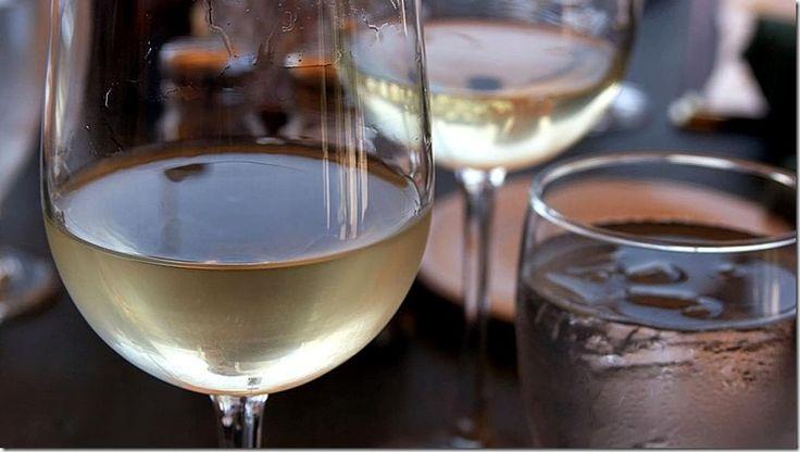 Verdejo de Rueda: Uno de los vinos preferidos en Madrid http://www.inmigrantesenmadrid.com/2016/11/vino-verdejo-rueda-madrid/