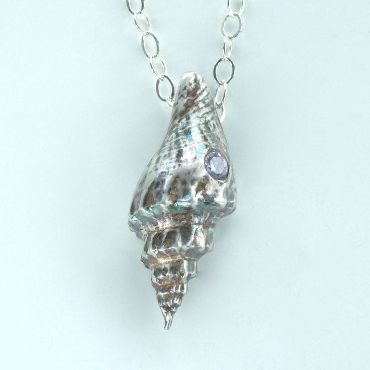 Seashell pendant using mold