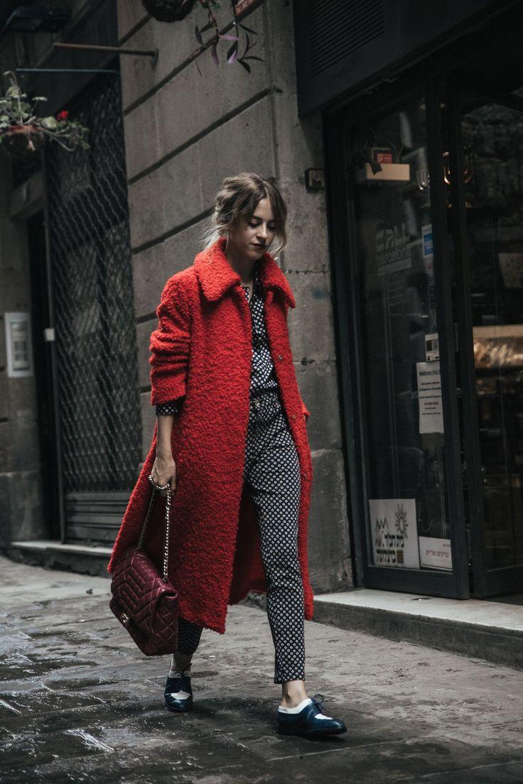 dansvogue purificacion-garcia-bolso-abrigo-rojo-zapato-chanel-barcelona-back-to-the-city-4-compressor