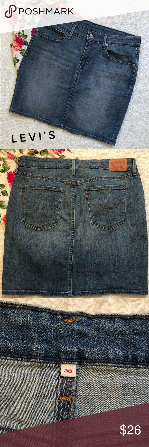 Levi's Denim Skirt In excellent condition. No stains or rips. Has a good amount of stretch. Measurements on pictures above. Any questions pls ask me. Bundle to save and offers are welcome :) Levi's Skirts Mini
