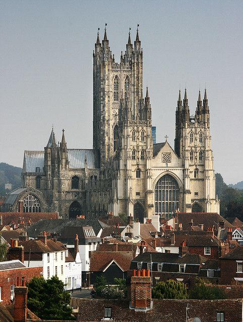 Canterbury Cathedral, one of the oldest and most famous christian structures in England (by Jim_Higham).