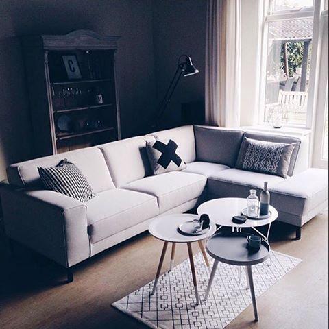 Bank Riko van ons huismerk X5 Home heeft een mooi plekje gevonden bij @puurpenny in huis! #loods5 #loods5inhuis #home #interior #sofa #bank #huis