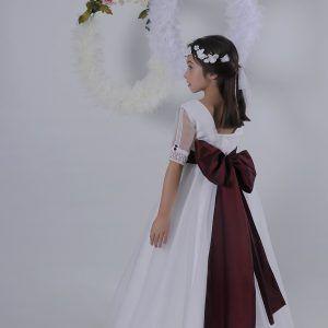 Vestido comunión 2019 romántico con gran lazada burdeos. Puedes ver más vesti…