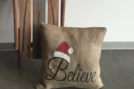 This will be a perfect addition to any home for the holidays. Each one of our pillows is made from the highest quality burlap fabric . Each pillow is an original creation. No two pillows are ever the same so you can be sure you are getting an original product. This listing is for the