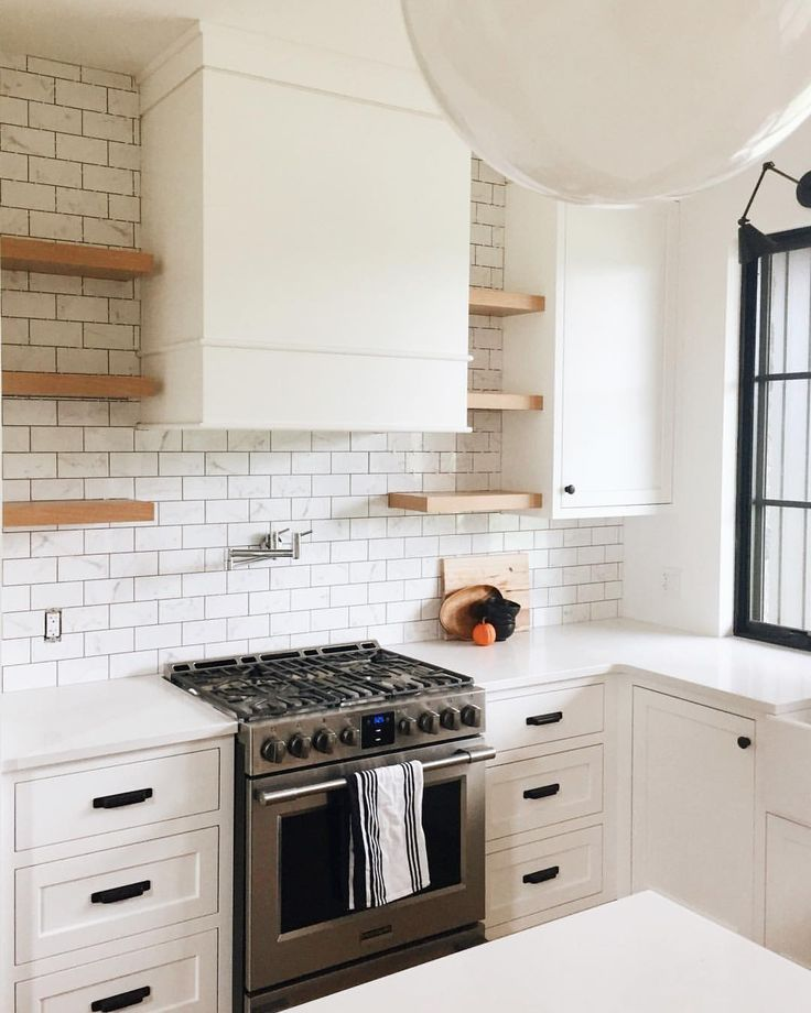 Pin By Bennat Berger On Kitchen Is King Kitchen Tiles Kitchen Style