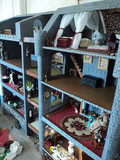 WOW! I love this American Girl Doll house!