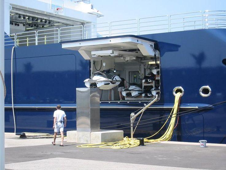 Octopus Yacht Sub