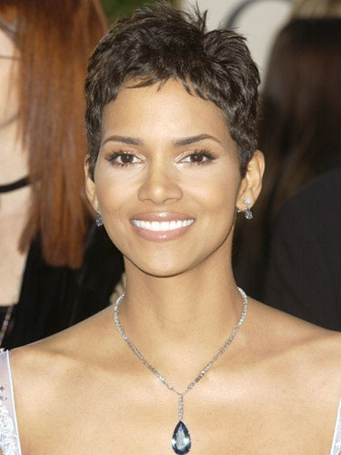 halle berry hair styles 17 best ideas about halle berry pixie on halle 5675 | f905401d186287a765795112b268a094