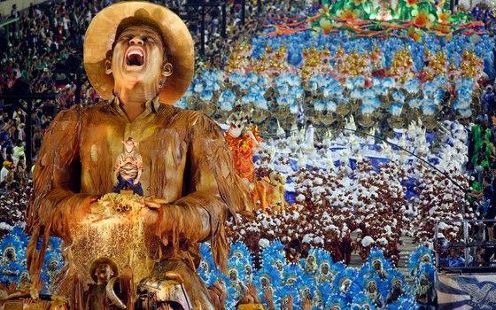 Portela 2017 campeã   O carro de protesto sobre a tragédia de Mariana.Um grito mudo de dor na Marquês de Sapucaí (Foto: Movinfocopress / Agência O Globo)