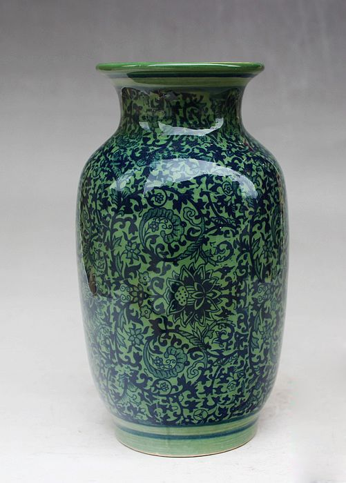 Exquisite Small Chinese Old Handwork  Antique Blue and White Porcelain Green Glaze Flower Designs Vase No.2