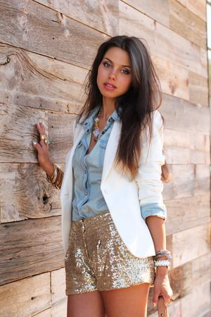 Sparkly shorts <3: Fashion, White Blazers, Clothing, Gold Sequins Shorts, Outfit, Denim Shirts, Styles, Gold Shorts, Sequin Shorts