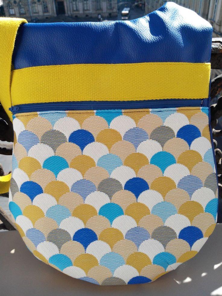 En prévision des beaux jours qui vont bien finir par arriver j'ai eu envie de me coudre un sac aux couleurs ensoleillées. Après avoir hésit...