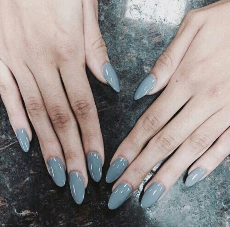 Adoro las uñas largas y afiladas • 😍