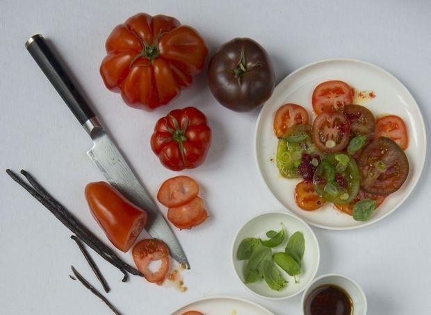 Tomatencarpaccio met burrata en vanille