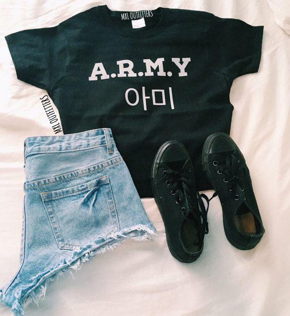 Camiseta A.R.M.Y BTS © diseño por Maggie Liu