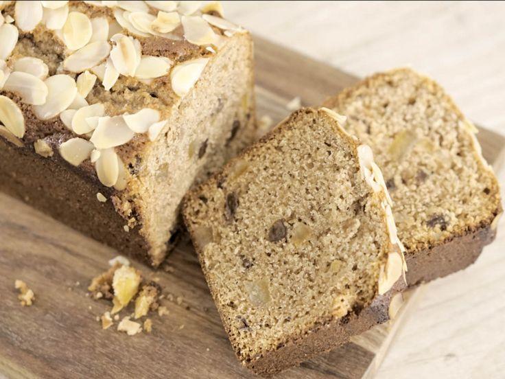 フランスでは12月になると目にする事が多くなるお菓子がパンデピスです。 ハチミツの優しい甘さと香辛料を沢山使って作るお菓子で、パン屋などに並び始めるとクリスマスへのカウントダウンが始まったなと感じる季節のお菓子です。