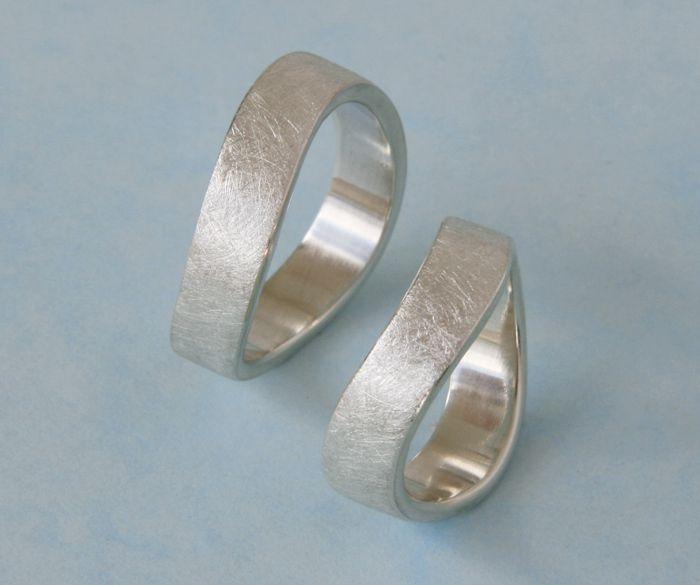 Ringpaar WELLE Trauringe Eheringe Partnerringe von schmuckdesign-barbara-weiss auf DaWanda.com