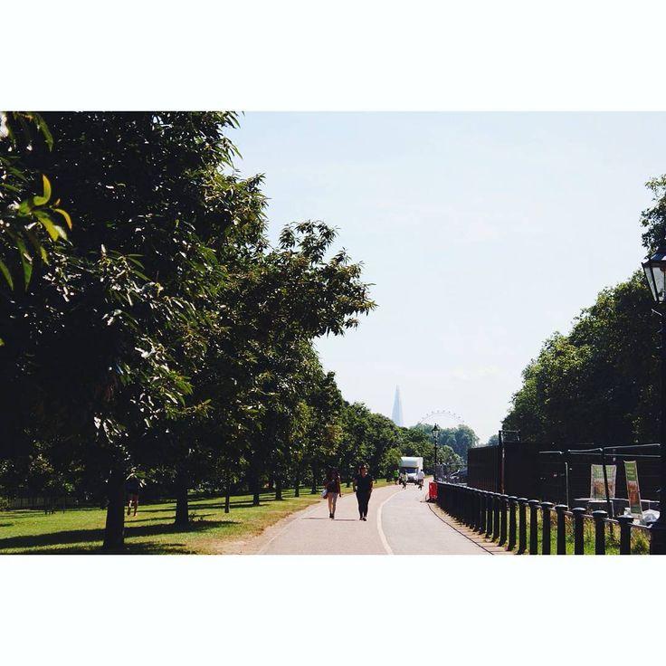 #longwalks #hydepark #londonpark #london #visionlondon #trees #park #nature #londoneye #theshard #instahub…