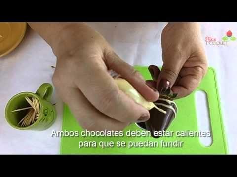 Como dar un toque especial a tus arreglos frutales (Fresas y Chocolates) - YouTube