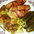 Bacon-be tekert csirkemell csíkok, (medvehagymás, tojásos, sajtos) burgonyalepénnyel