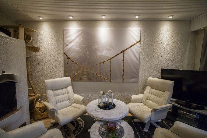 LED lights and renovation give 1980's home an updated look. / 1980-luvun takkahuoneen uudistunut valoisa ilme. www.valaistusblogi.fi