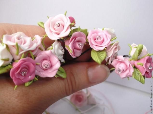 polymer clay rose hairpin tutorial http://www.livemaster.ru/topic/345603-shpilki-s-rozochkami?msec=1