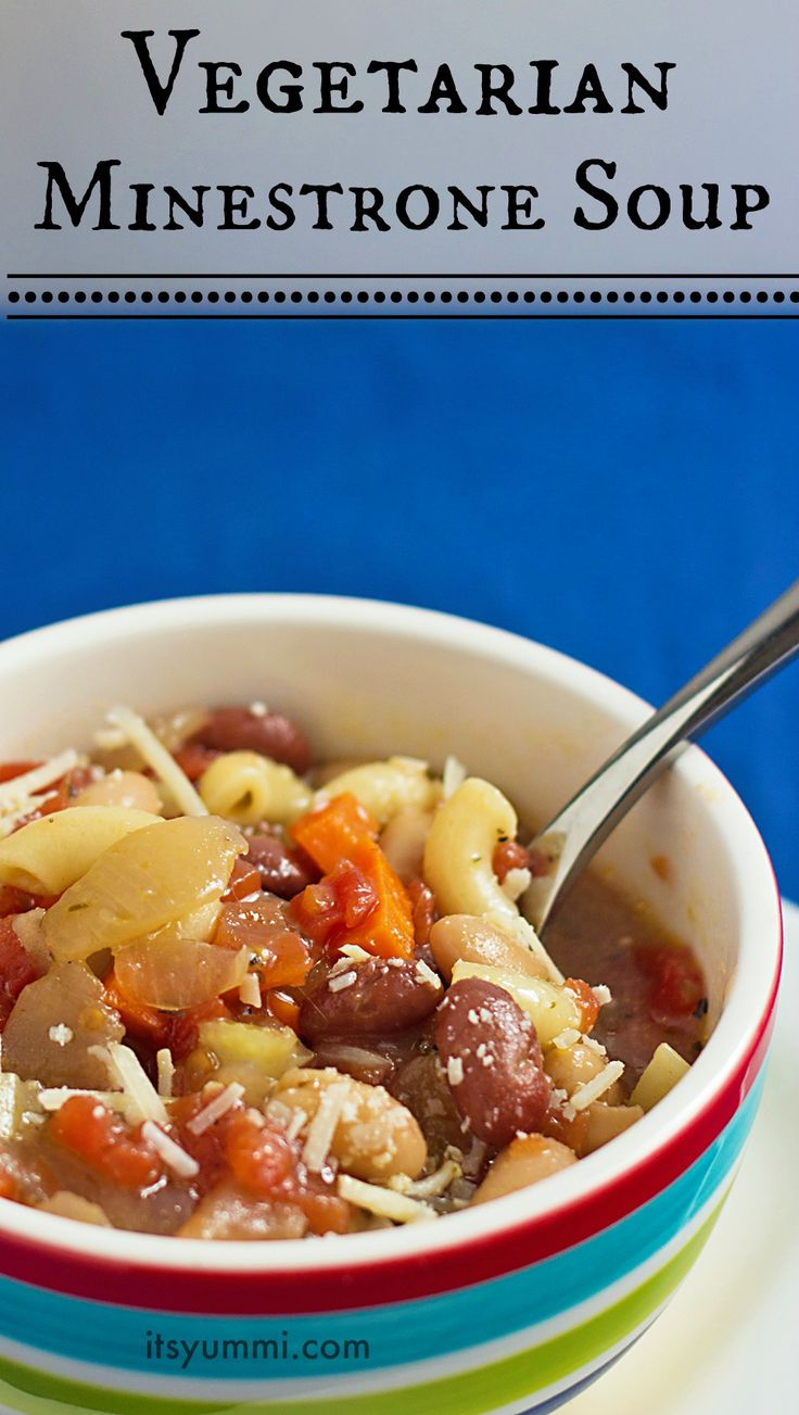 Easy Vegetarian Minestrone Soup - fast comfort food for busy nights | It's Yummi for cupcakesandkalechips.com