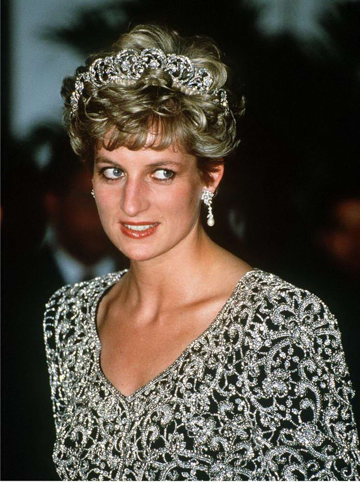 Princess Diana wears the Spencer Family Tiara at a banquet given by the President of India, Ramaswamy Venkataraman, during an official visit to the country in 1992. A family heirloom, she would wear it at many state occasions throughout her life