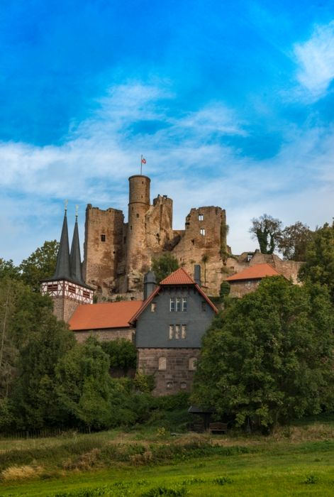 Bornhagen, Thüringen, Burg Hanstein, Eichsfeld, Burgruine, Dreiländerecks, Thüringen, Fotograf: P. Hirth #Fototapeten #Merian #Thüringen #Burg #Ruine #Bornhagen #MerianBildservice
