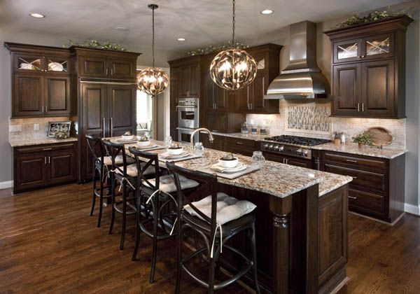 Cincinnati homearama boschi bella casa omg kitchen for Cincinnati kitchen cabinets