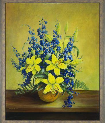 Vaas met lelies en blauwe ridderspoor, 2004  Olieverf op linnen, afmeting 80 x 100 cm  Een zomertafereel met zomerbloemen. De uitbundige kleurstelling van overwegend violetblauw en geel zorgt voor een zomerse sfeer. De kenmerkende meeldraden van de lelie laten zich drie leliebloemen goed zien, terwijl andere lelies nog in de knop zitten. De bloei van de ridderspoor is een traktatie op zich.