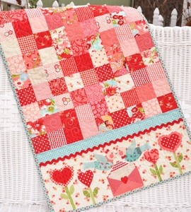 strawberry delight: Strawberries Delight, Air Tables, Air Pattern, Quilt Tables Runners, Jelly Rolls, Table Runners, Fun Valentine'S, Shabby Fabrics, Colors Quilt