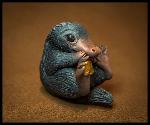 Fabriqués sur commande NIFFLER de bêtes fantastiques | Précommande pour mars | Sculpture en argile polymère miniature | Univers Harry Potter