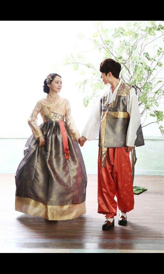 Hanbok couple