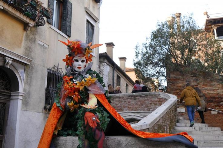 ヴェネツィアのカーニバルにて CARNIVAL VENEZIA
