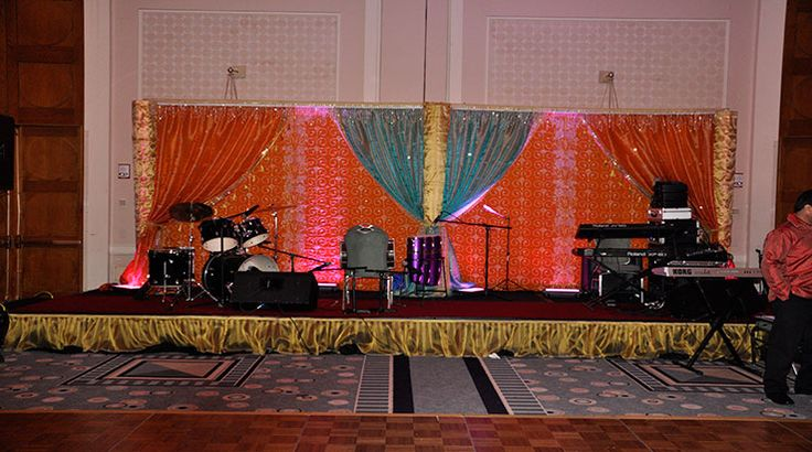 . A perfect Indian wedding without wedding numbers to tap their feet on can never happen. The same is the matter with the Indian wedding Dj Boston. It hardly matters if your wedding event is being arranged in Boston. You are rest assured with the Dj setup playing the Indian wedding songs.  Western styles and Indian wedding styles are just opposite to each other.