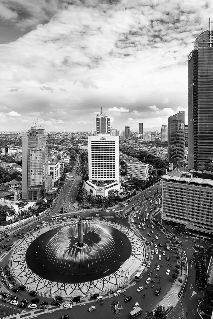 Authentic Jakarta Experience    Photographer : Saepul Jamal  Title: Bundaran Hotel Indonesia