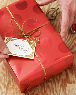 wrap gifts wrapping gifts wrapping ideas how to wrap presents survival