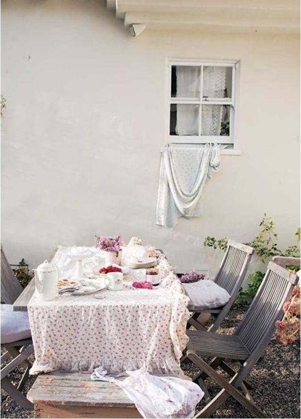 (enlarged) Simply Shabby Chic: Rachel Ashwell Shares her Design Secrets for a Shabby Chic Home