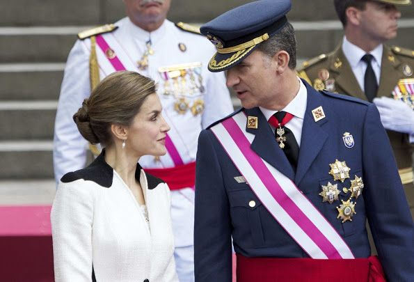 King Felipe VI of Spain and Queen Letizia of Spain attends the Armed Forces Day Homage (Día de las Fuerzas Armadas) on May 28, 2016 in Madrid, Spain. (Armed Forces Day is observed in Spain since 1978. It started as a purely military celebration, but became with time a more colourful and popular event, the central acts of which are held each year at a different city. Since 1987 it is observed the Saturday nearest to 30 May, feast-day of Saint Ferdinand, King.)