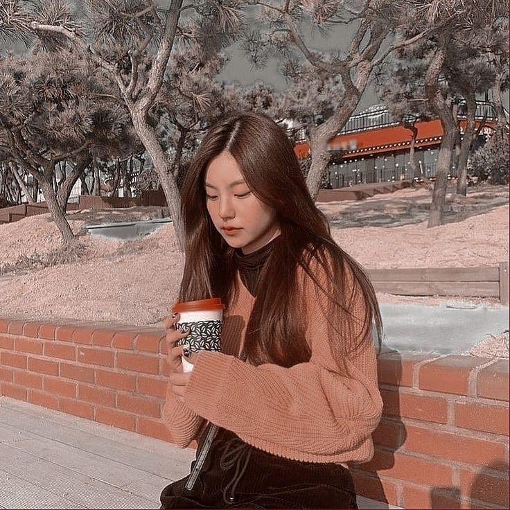 Foto Yeji Aesthetic Cute Gambar Wallpaper Foto
