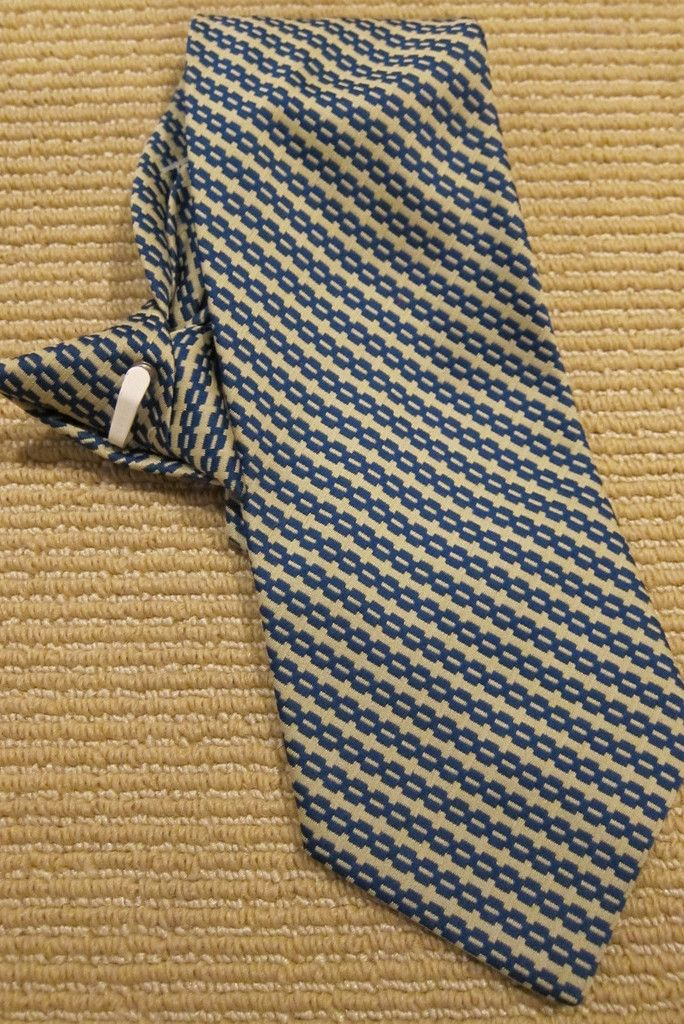 """Instantaneous Perfection """"Snapper"""" Retro Clip On Tie"""