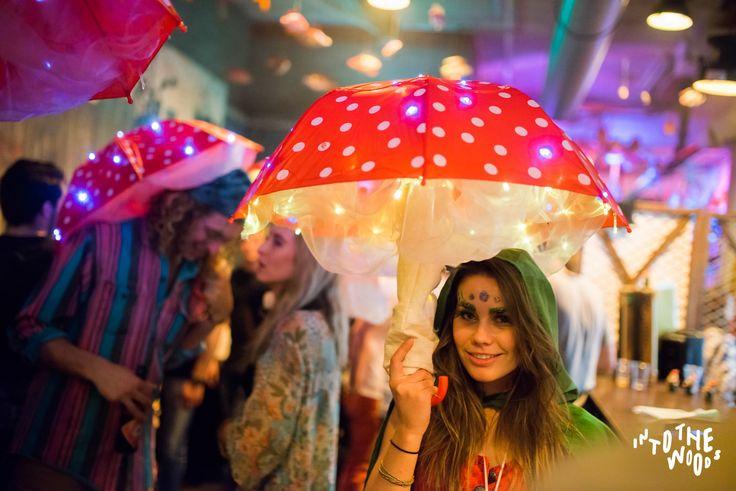 vitamine blij, creative, festival, concepts, craft, DIY, glitter, dress up, costume, rage stick, festival stick, festival totem, mushroom, trip, space, show, entertainment, party concept