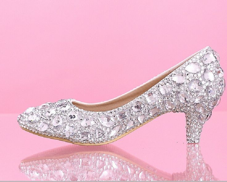 Luxo barato branco cristal PU entrega rápida Formal Prom sapatos de noiva apontou Toe saltos gatinho 5 CM sapatos de casamento em Bombas das mulheres de Sapatos no AliExpress.com   Alibaba Group